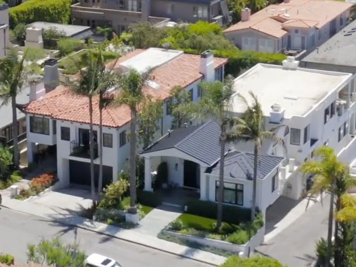 two homes on 6th street manhattan beach remodeled by Gunderlock Construction